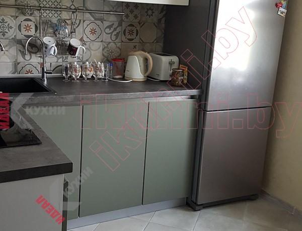 Кухня с Gola профилем №03