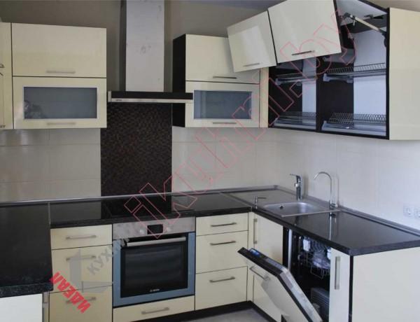 П — образная кухня №05
