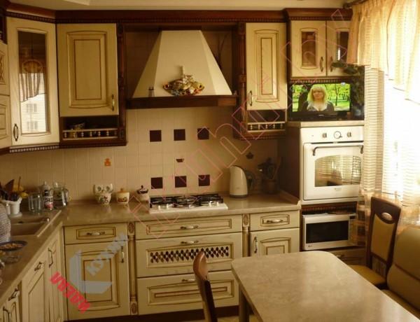 Кухня из массива дерева №01