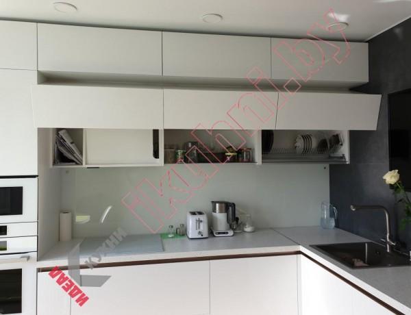 Встроенная кухня с ручками Golo №03