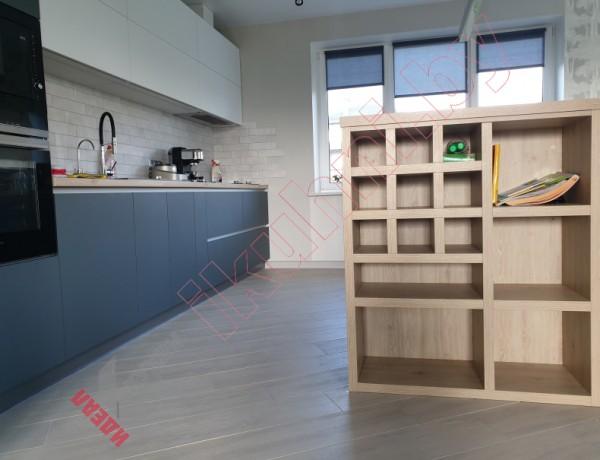 Кухня для коттеджа с фасадами FENIX №03