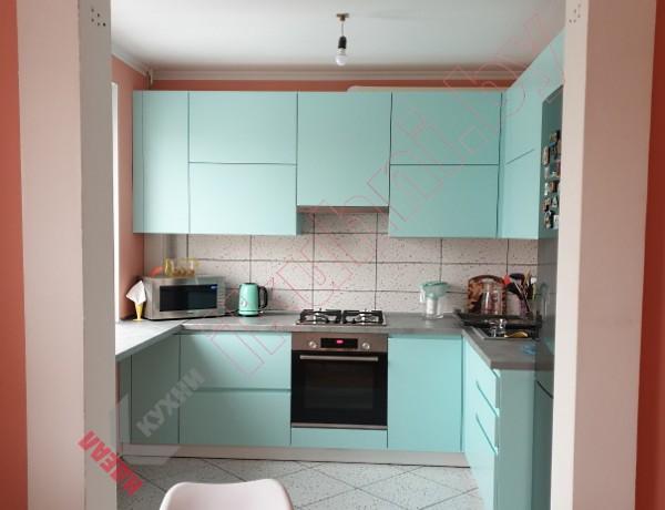Кухня со столешницей под окно №08