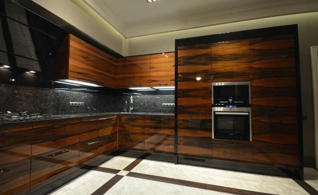 Кухни с темно-коричневыми фасадами