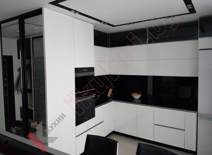 Белая кухня №04
